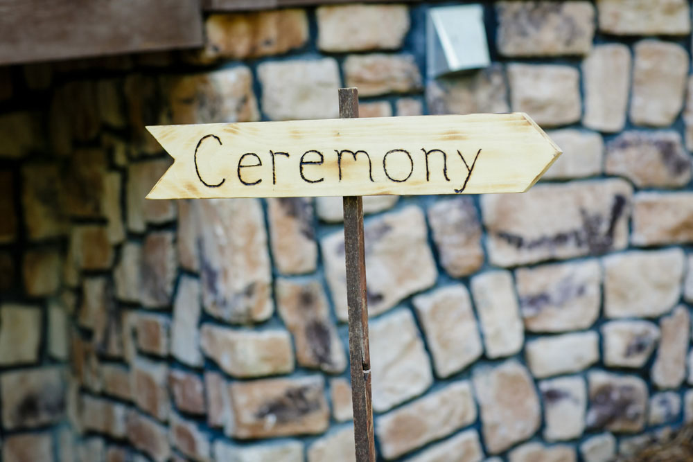 10-Ceremony Sign